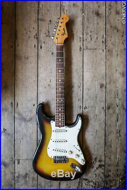 1965 Fender Stratocaster Sunburst Comes With Hard Shell Case