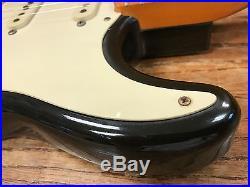 1982 Fender AVRI American Vintage Reissue 57 Stratocaster sunburst w case