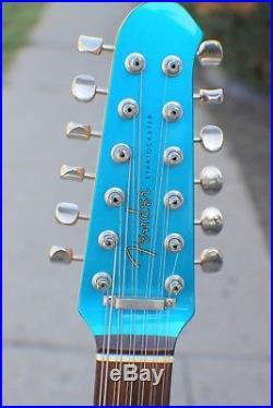 2004 fender stratocaster xii electric 12 string guitar lake placid blue in case used electric. Black Bedroom Furniture Sets. Home Design Ideas