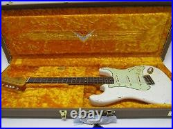 2019 Fender Custom Shop 1960 Stratocaster Relic, Rosewood Aged Olympic White