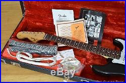 Fender JIMI HENDRIX VOODOO STRAT Tribute STRATOCASTER Rosewood CASE & ALL CANDY