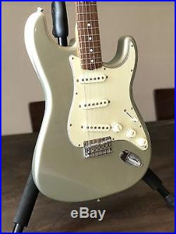 fender robert cray stratocaster electric guitar inca silver rosewood used electric guitars. Black Bedroom Furniture Sets. Home Design Ideas