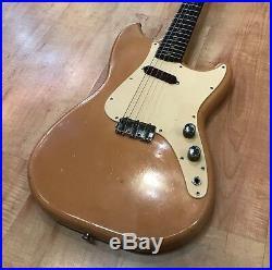 Vintage 1960 Fender Musicmaster Short Scale Electric Guitar (Desert Sand)