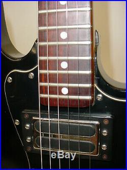 Vintage 1981 Peavey T-60 Electric Guitar INCLUDES CASE Black